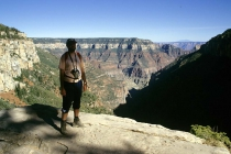 Fred am Rande des Grand Canyon