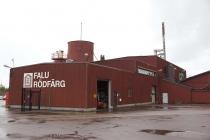 Hier wird die rote Farbe für die Schwedenhäuschen produziert