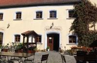 Im Biergarten des Stanglbräu