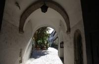 Torbogen in der Altstadt von Regensburg