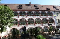 Rückseite eines Hotels am Bischofshof