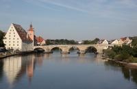 Donau und steinerne Brücke