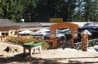 Blick über den Gasthof Oachkatzl am Baumkronenweg