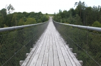 Auf der Hängebrücke Santa Lucia