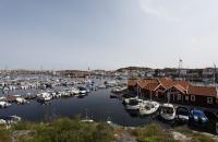 Blick auf Skärhamn und den Hafen