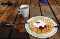 Waffeln mit Kaffee – mmmh, lecker :-)
