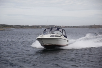 Flottes Boot in den Schären