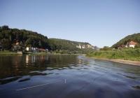 Blick Elbe flußaufwärts vom Ort Wehlen