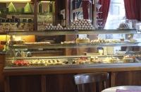 Die süsse Vitrine im Cafe Grellinger