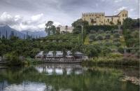 Schloss Trauttmansdorff mit Teich