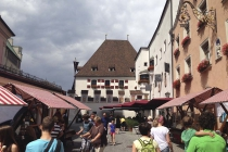 Markt in der Altstadt von Hall in Tirol