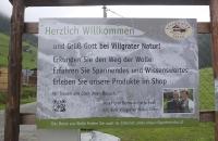 Willkommens-Schild im Villgrater Natur Shop
