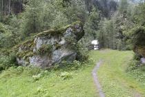 Ein seltsam geformter Stein zeigt mir den Weg