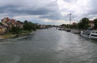 Blick von der steinernen Brücke auf die Donau