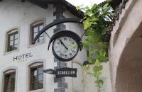 Alte Uhr in Kaltern
