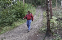 Ich am Weg zur Talstation der Meran 2000 Bahn