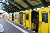 U-Bahngarnitur in der Station