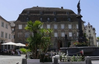 Altes Gebäude am Stiftsplatz
