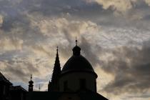 Wolkenstimmung über der Basilika nach ausgiebigem Regen