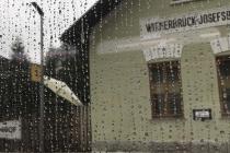 Haltestelle Wienerbruck-Josefsberg im Regen