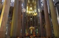 Im Inneren der Sagrada Família