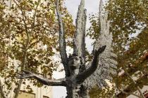 Figur auf der Avinguda de Gaudi