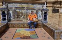 Wolfgang beim kurzen Ruhen am Plaza de Espana