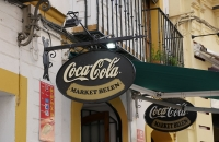 Coca Cola Schild an Kneipe