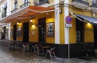 Einladendes Restaurant im Viertel Santa Cruz