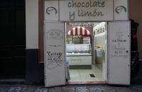 Kleines Eisgeschäft im Viertel Santa Cruz