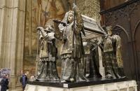 Vier spanische Könige tragen die Überreste von Christoph Kolumbus