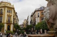 Platz und Strasse nahe der Kathedrale