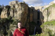 Wolfgang vor Steinbrücke von Ronda