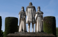 Steinfiguren im Garten des Alcazar