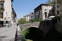 Eine von mehreren Steinbrücken in der Altstadt von Granada