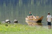Zille legt am Seeufer an