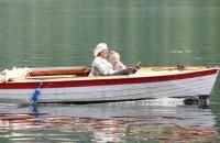 Flotte Oma mit Enkelin