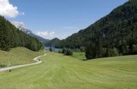 Grüne Wiesen vor dem Hintersteiner See