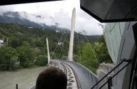 Fahrt mit der Hungerburgbahn aus der Perspektive des Fahrers