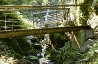 Brücken in der Nähe des Eifersbacher Wasserfall