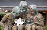 Figuren über Springbrunnen