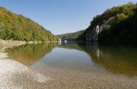 Herbstliche, ruhige Stimmung an der Donau