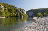 Blick auf den Donaudurchbruch nahe dem Kloster Weltenburg