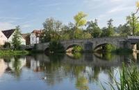 Malerische Nachmittagsstimmung über der Steinbrücke in Kallmünz