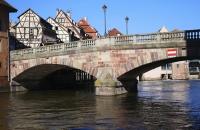 Alte Steinbrücke im Viertel La Petite France