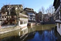 Schöne, alte Häuser neben der Ill im Viertel La Petite France