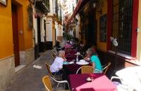In diesem kleinen Lokal tranken wir noch ein Abschlussgetränk in Sevilla
