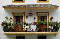 Gepflegter Balkon in Setenil De Las Bodegas