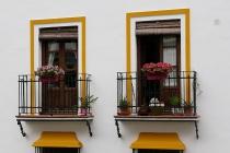 Schöne Balkone in Setenil De Las Bodegas
