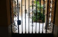 Blick in den Hof eines Hauses in Cádiz